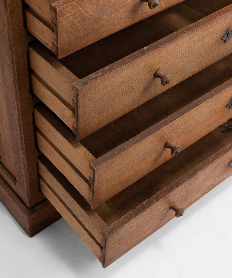 Oak Chest of Drawers In Good Condition In Culver City, CA