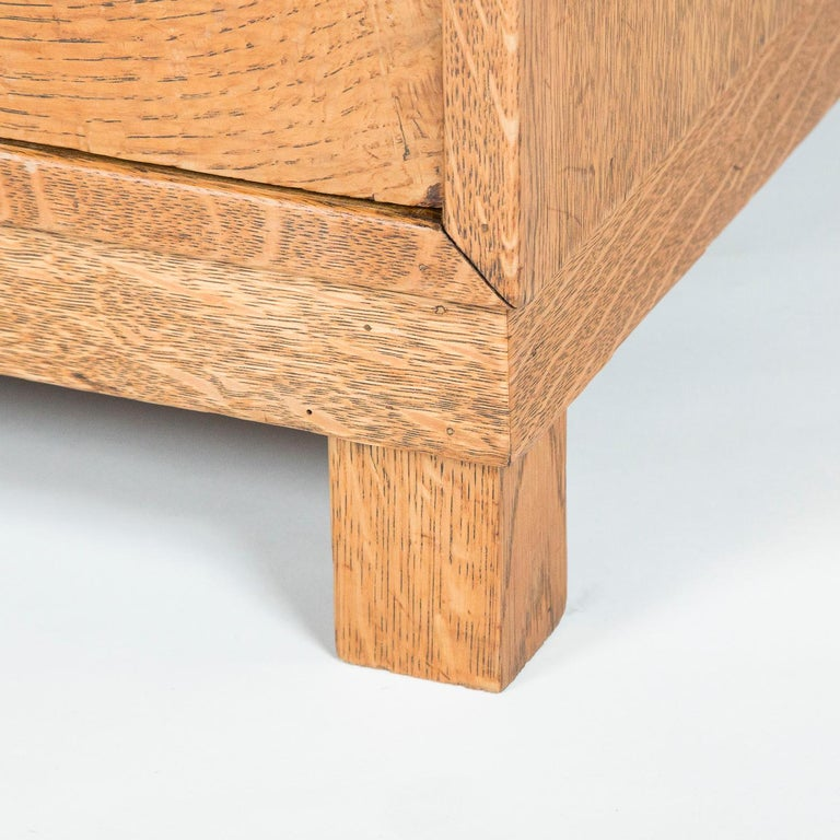 Oak chest of drawers  For Sale 1
