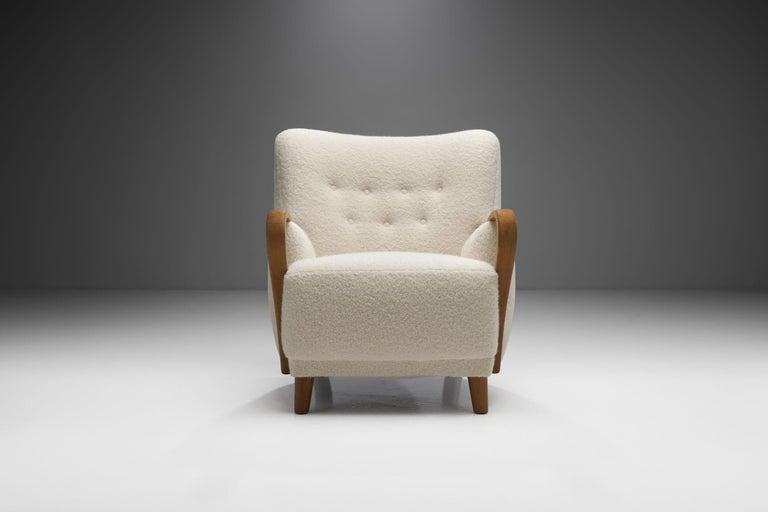Scandinavian Modern Oak Danish Cabinetmaker Easy Chair, Denmark, ca 1950s For Sale