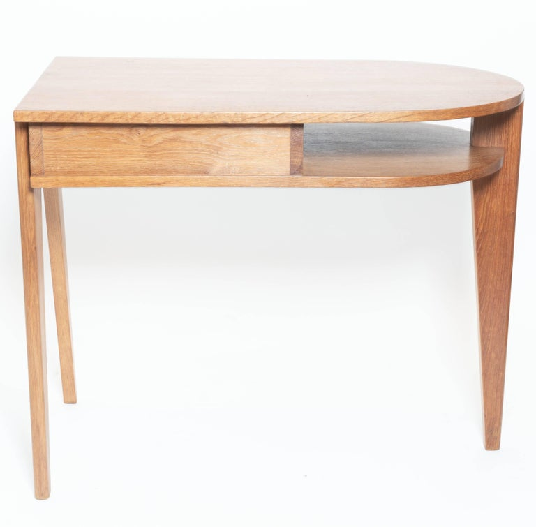 Oak Desk with Three Legs, in the Manner of Jean Prouve, France For Sale 4