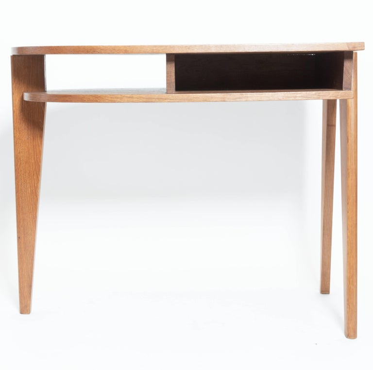 Mid-20th Century Oak Desk with Three Legs, in the Manner of Jean Prouve, France For Sale