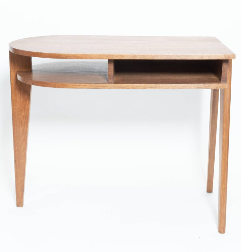 Oak Desk with Three Legs, in the Manner of Jean Prouve, France For Sale 1