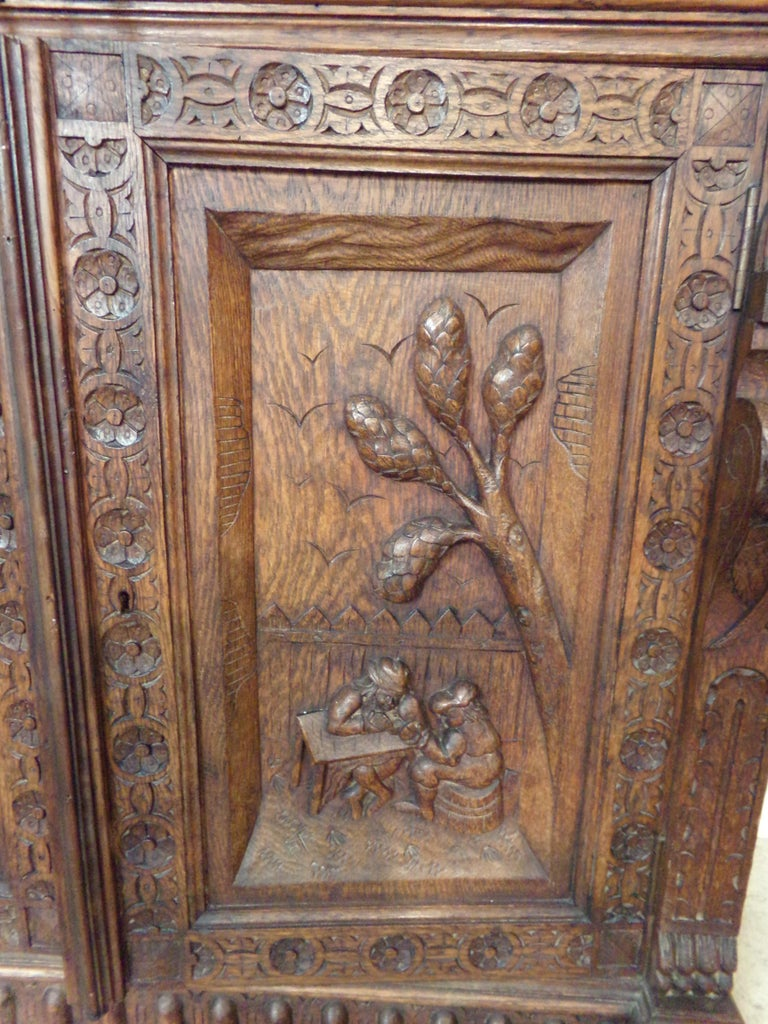 Late 19th Century Oak Dutch hand Carved Bookcase For Sale