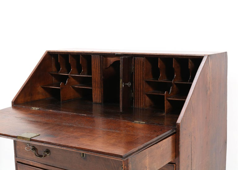 Oak English George III Slant Front Desk, Late 18th Century For Sale 5