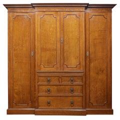 Oak Four Door Breakfront Compact Wardrobe