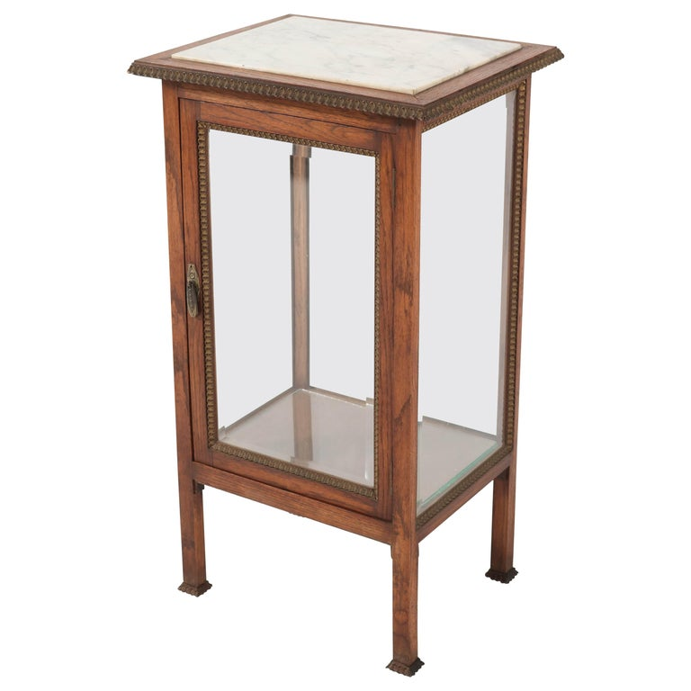 Oak French Art Deco Display Cabinet with Beveled Glass, 1930s For Sale