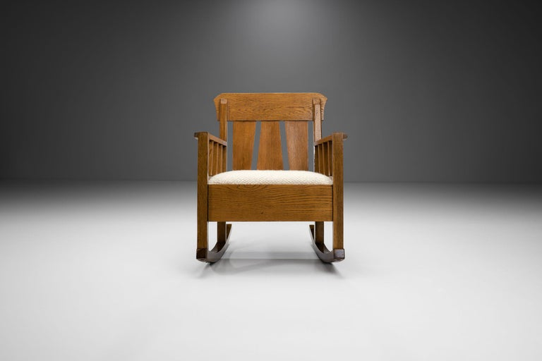 """Early 20th Century Oak """"Jugend"""" Rocking Chair, Europe, circa 1920s For Sale"""