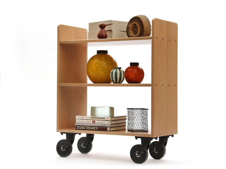 Oak Library Cart by Wyeth In Good Condition For Sale In Sagaponack, NY
