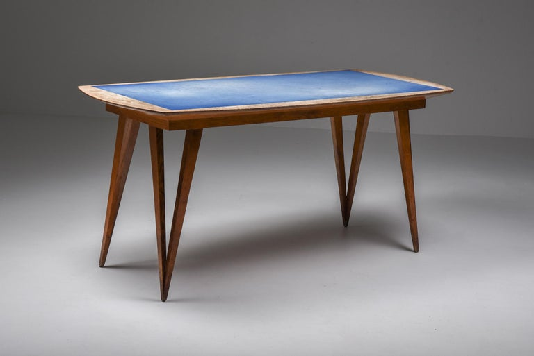 Oak Mid-Century Modern Dining Table on Pin Legs with Blue Top In Good Condition For Sale In Antwerp, BE