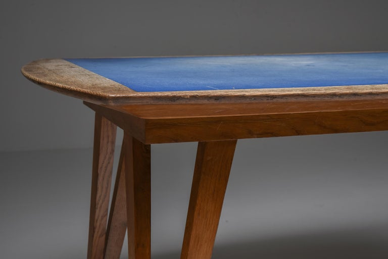 Formica Oak Mid-Century Modern Dining Table on Pin Legs with Blue Top For Sale