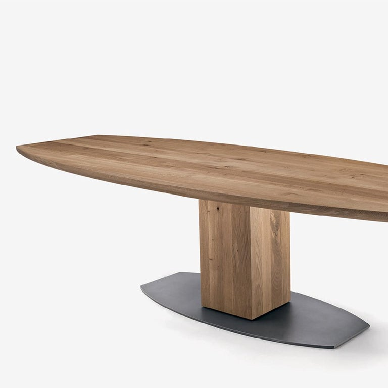 Dining table oak oval T in solid natural
