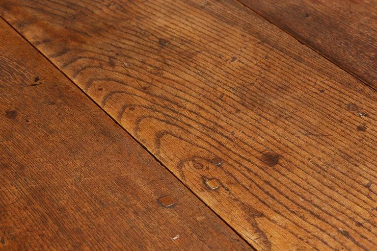 Oak Platform Base Gate Leg Dining Table, Charles II / William & Mary, circa 1680 For Sale 3