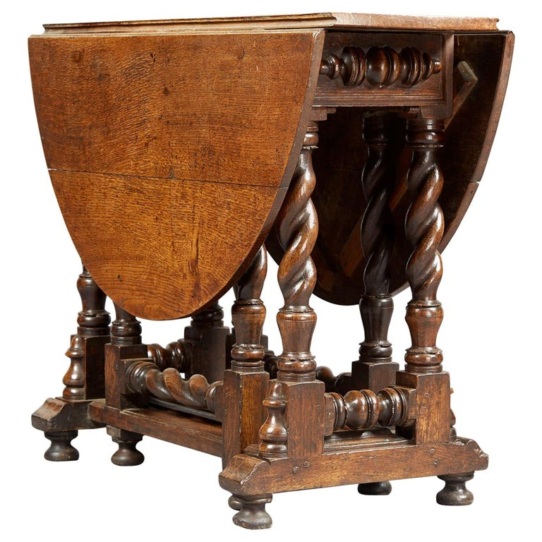 Oak Platform Base Gate Leg Dining Table, Charles II / William & Mary, circa 1680 For Sale