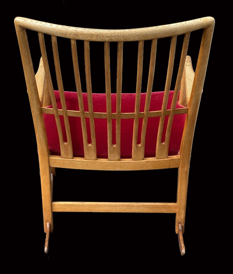 Oak Rocking Chair Model ML33 by Hans J.Wegner for Mikael Laursen In Good Condition For Sale In Little Burstead, Essex