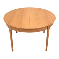 Danish Oak Round Dining Table, 1960s After renovation