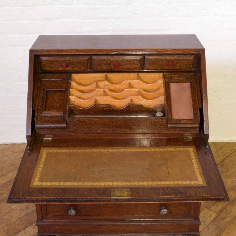 Oak Writing Bureau In Good Condition For Sale In Manchester, GB