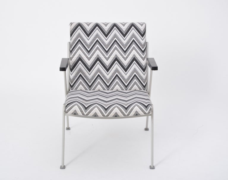 Oase Chair in Black and White Pattern by Wim Rietveld for Ahrend de Cirkel 2