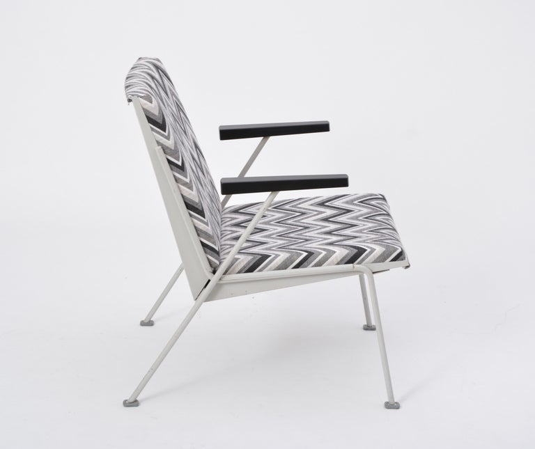 Oase Chair in Black and White Pattern by Wim Rietveld for Ahrend de Cirkel 3