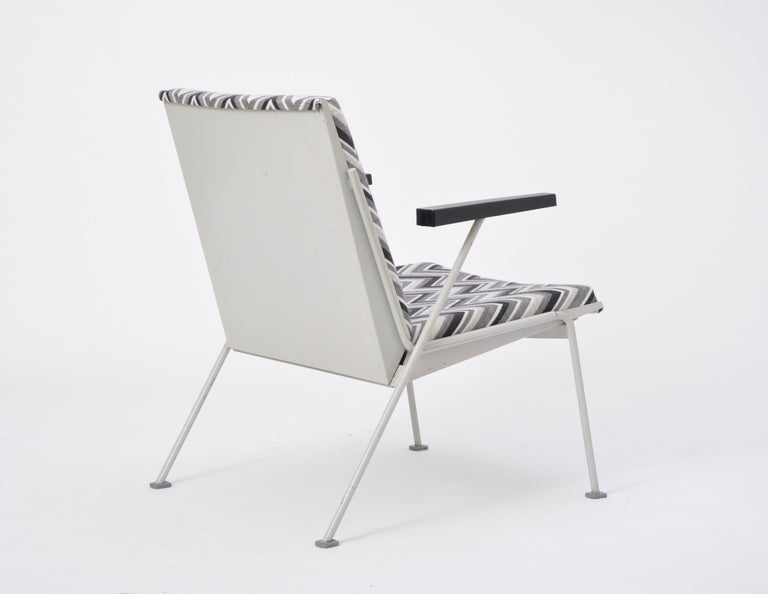 Oase Chair in Black and White Pattern by Wim Rietveld for Ahrend de Cirkel 7