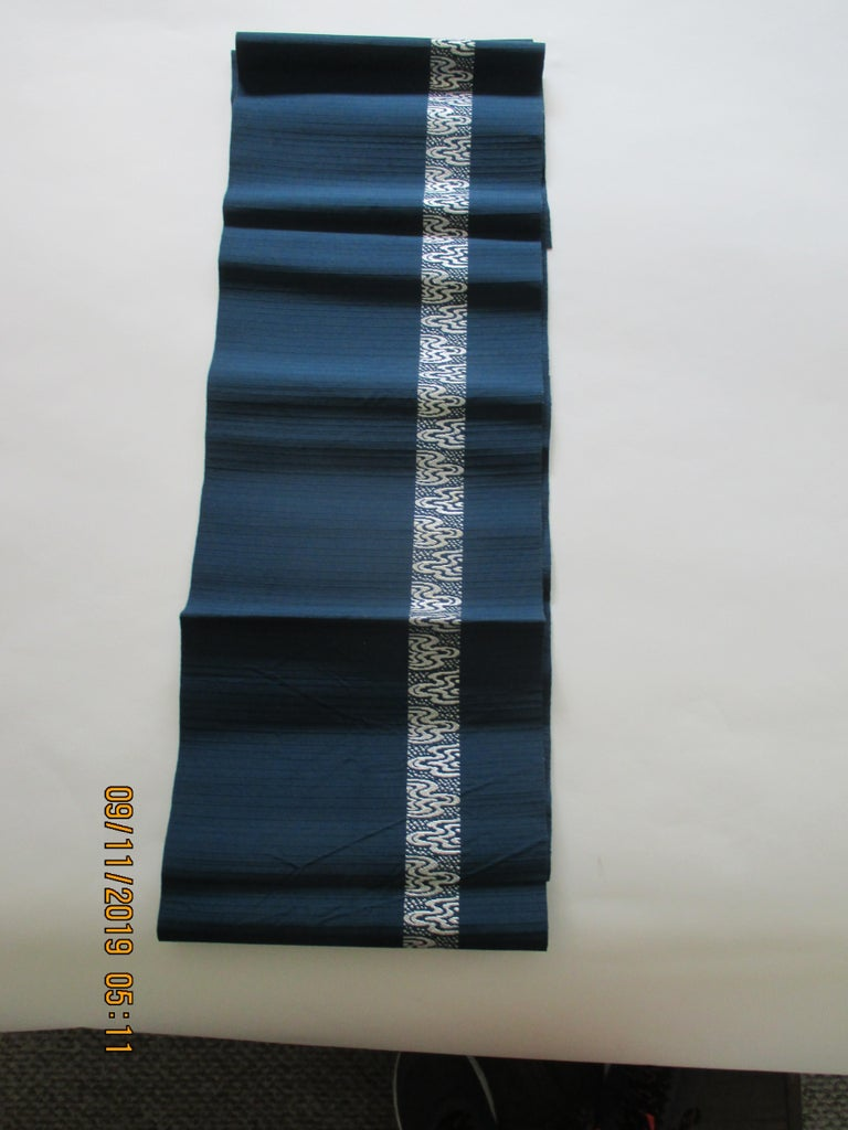 Japanese Obi Textile with Single Band of Geometric White Design For Sale