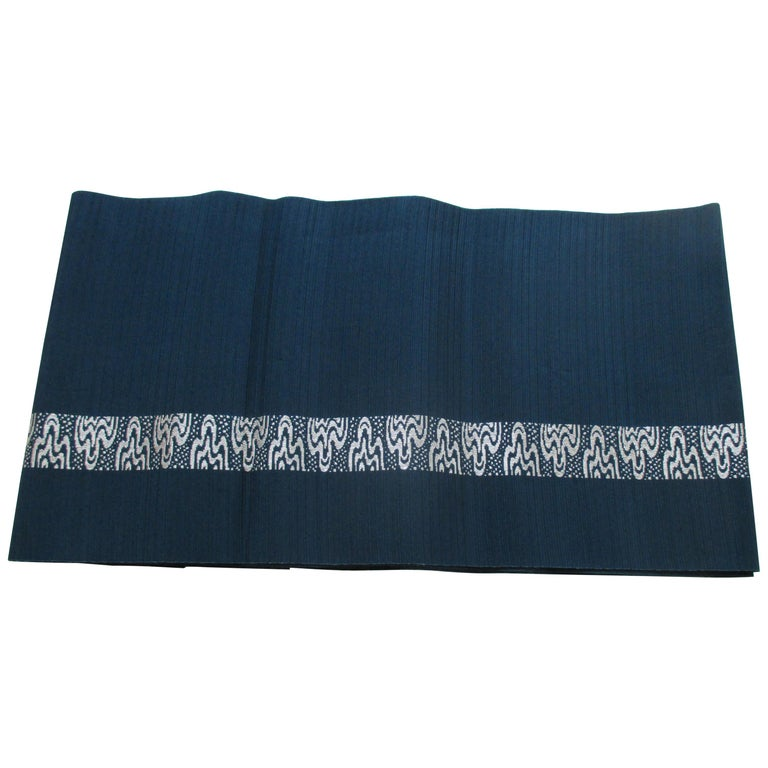 Obi Textile with Single Band of Geometric White Design For Sale
