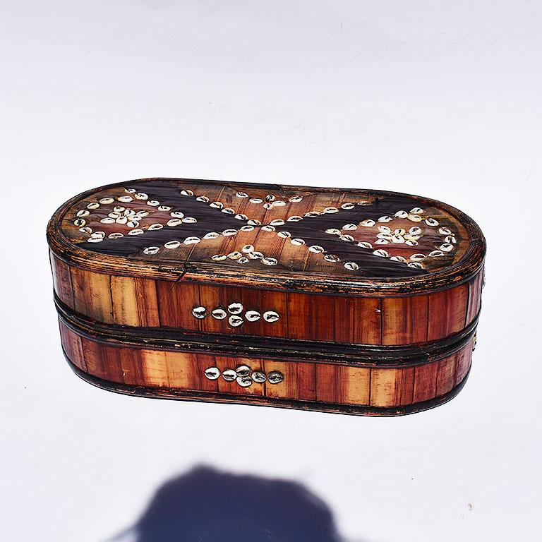 Oblong Tribal Sea Shell Box with Removable Top and Geometric Design In Good Condition For Sale In Oklahoma City, OK