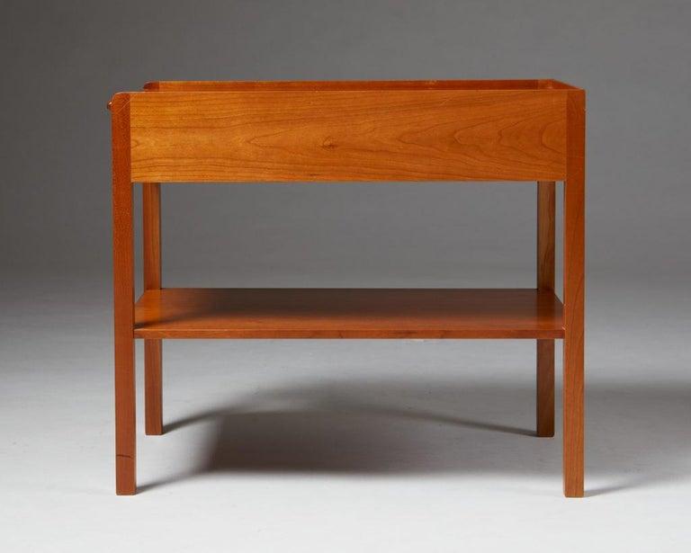 Mid-Century Modern Occasional/Bedside Table Model 914 Designed by Josef Frank for Svenskt Tenn For Sale