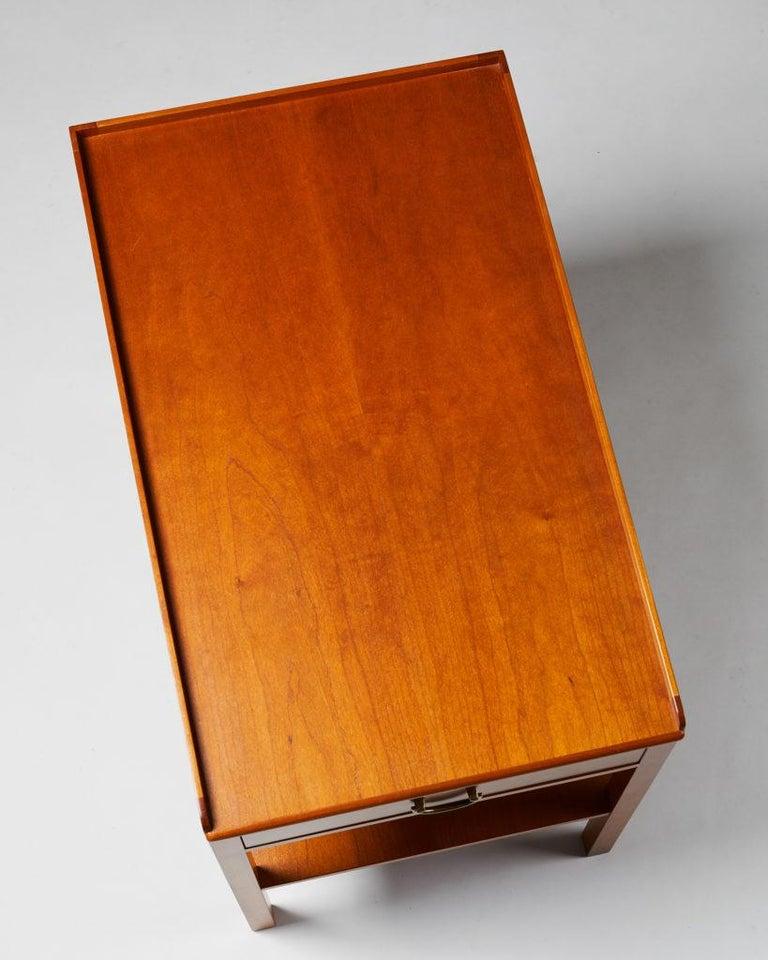 Mid-20th Century Occasional/Bedside Table Model 914 Designed by Josef Frank for Svenskt Tenn For Sale