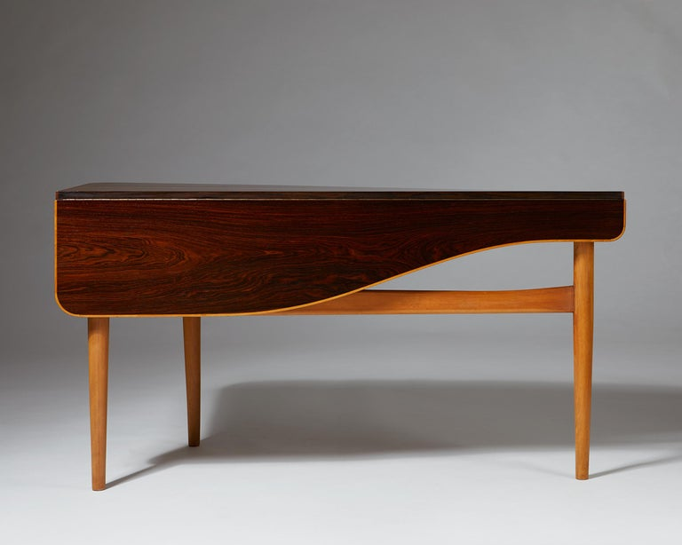 Occasional Table Designed by Finn Juhl for Bovirke, Denmark, 1940s In Excellent Condition For Sale In Stockholm, SE