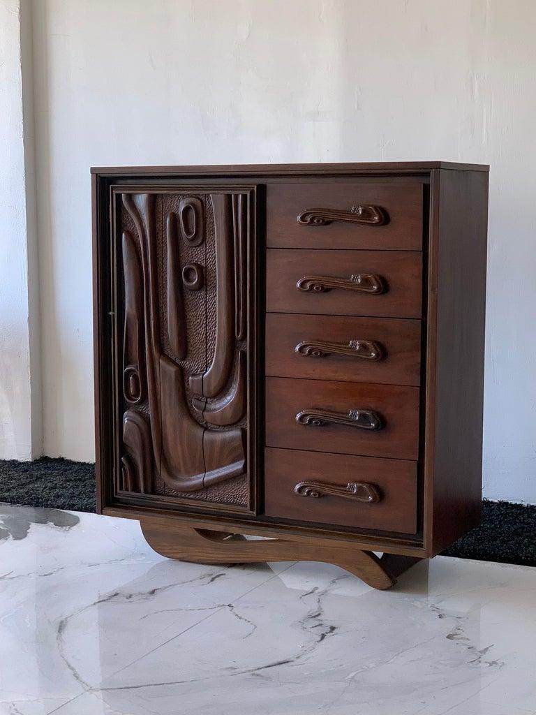 Oceanic Sculpted Walnut Highboy Dresser by Pulaski Furniture Co., circa 1969 For Sale 4