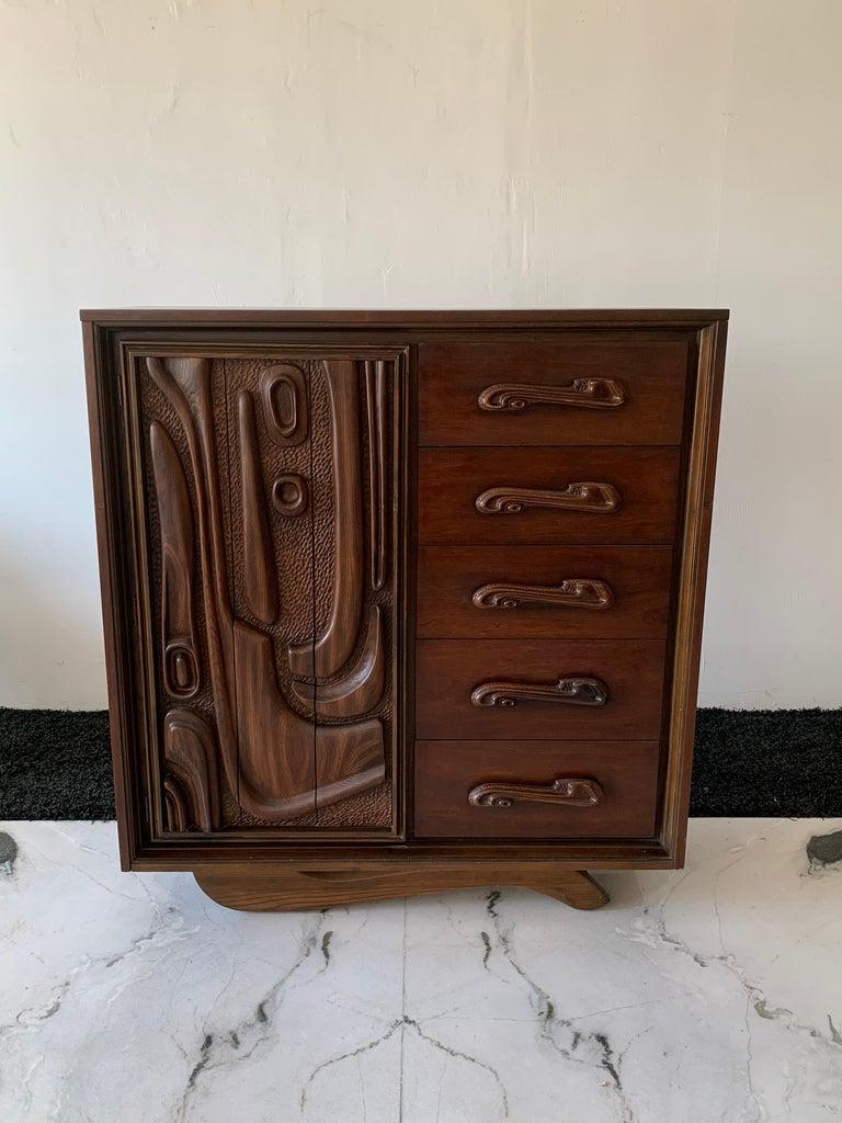 Mid-Century Modern Oceanic Sculpted Walnut Highboy Dresser by Pulaski Furniture Co., circa 1969 For Sale