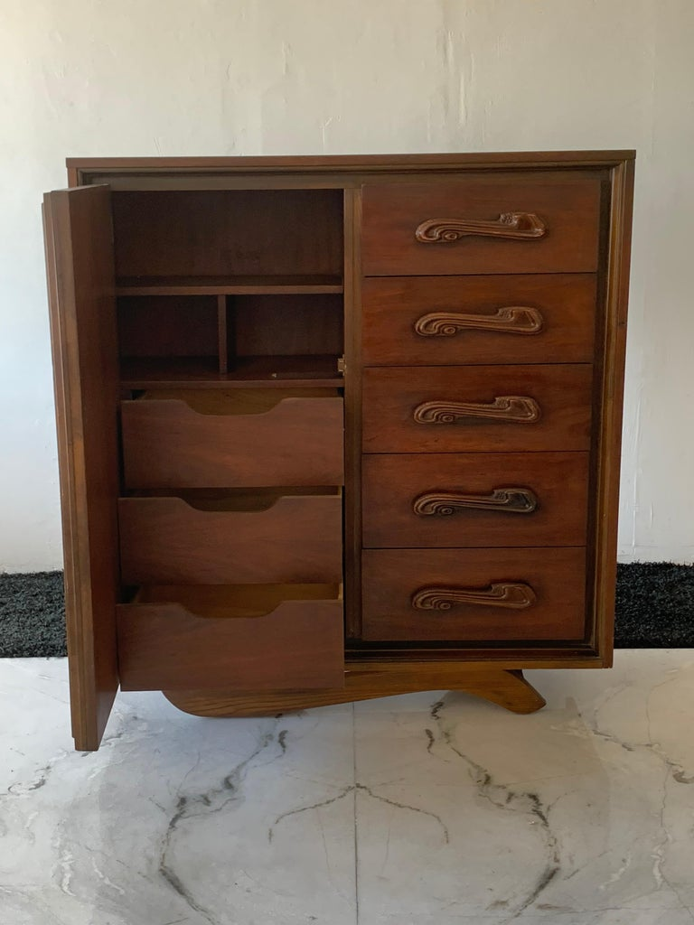 Oceanic Sculpted Walnut Highboy Dresser by Pulaski Furniture Co., circa 1969 In Good Condition For Sale In Los Angeles, CA