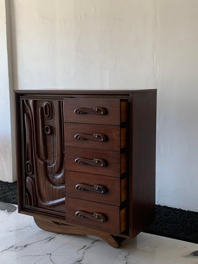 Mid-20th Century Oceanic Sculpted Walnut Highboy Dresser by Pulaski Furniture Co., circa 1969 For Sale