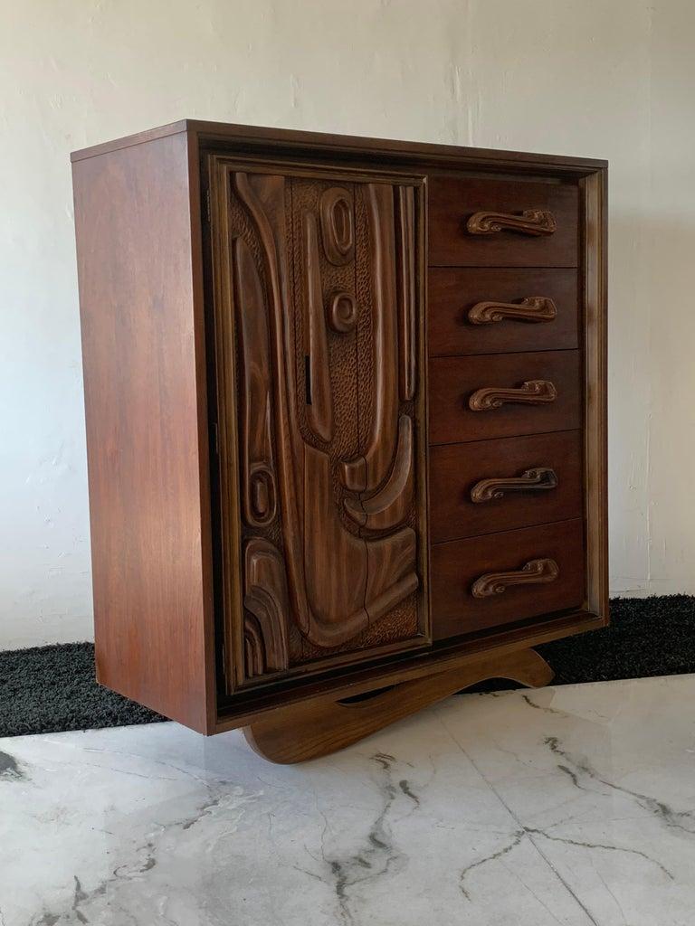 Oceanic Sculpted Walnut Highboy Dresser by Pulaski Furniture Co., circa 1969 For Sale 2