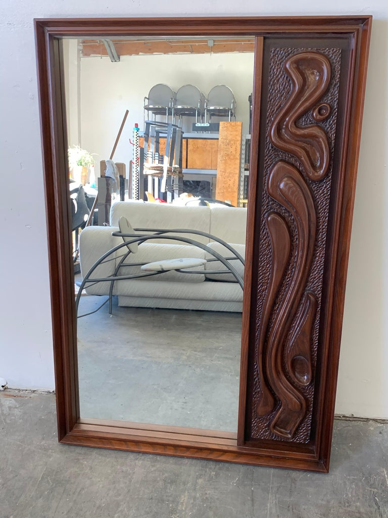 Oceanic Sculpted Walnut Six-Piece Bedroom Set by Pulaski Furniture Co circa 1969 In Good Condition In Los Angeles, CA