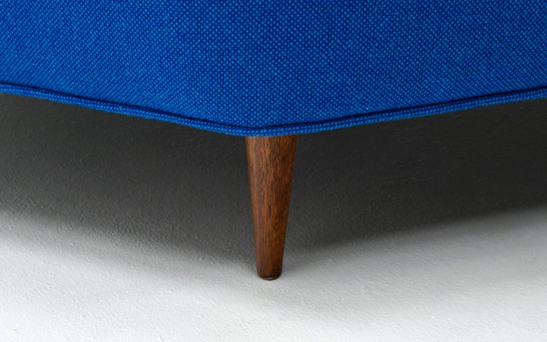 Octagonal Sofa Attributed to Harvey Probber, Restored in Blue Maharam Fabric For Sale 2