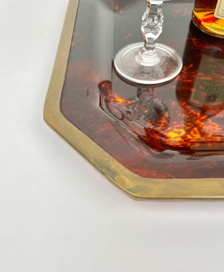 Octagonal Tortoise Shell Lucite & Brass Centerpiece Christian Dior Italy, 1970s For Sale 3
