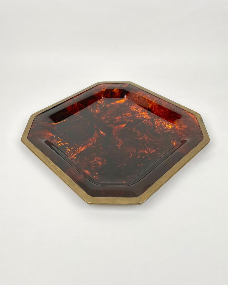 Octagonal Tortoise Shell Lucite & Brass Centerpiece Christian Dior Italy, 1970s In Good Condition For Sale In Rome, IT