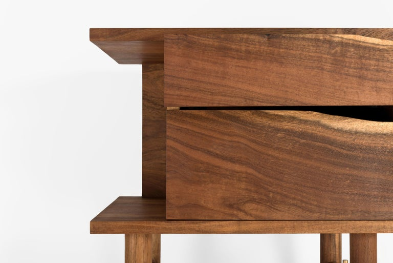The Ocum Nightstand in it ́s three versions is the newest member of the Ocum Collection, which is typied by the search for balanced proportions, simplicity of the basic forms and minimalist construction. The contrasting textures of the Caribbean