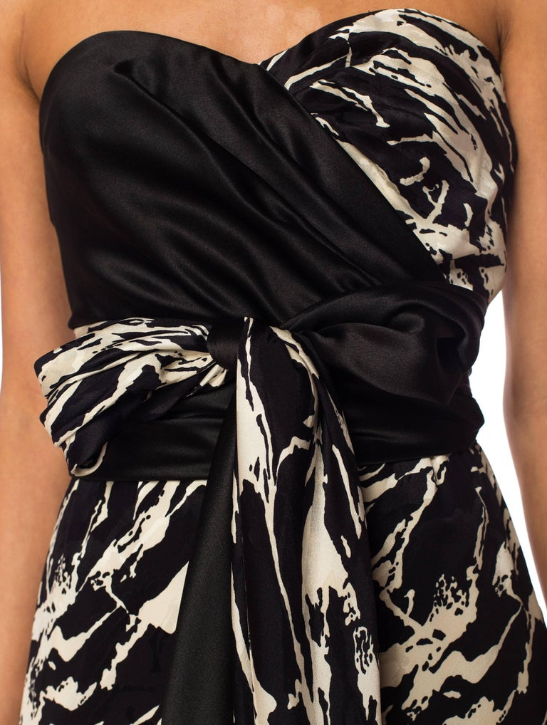 Women's 1980S ODICINI COUTURE FOR FRED HAYMAN BEVERLY HILLS Black & White Silk Charmeus For Sale