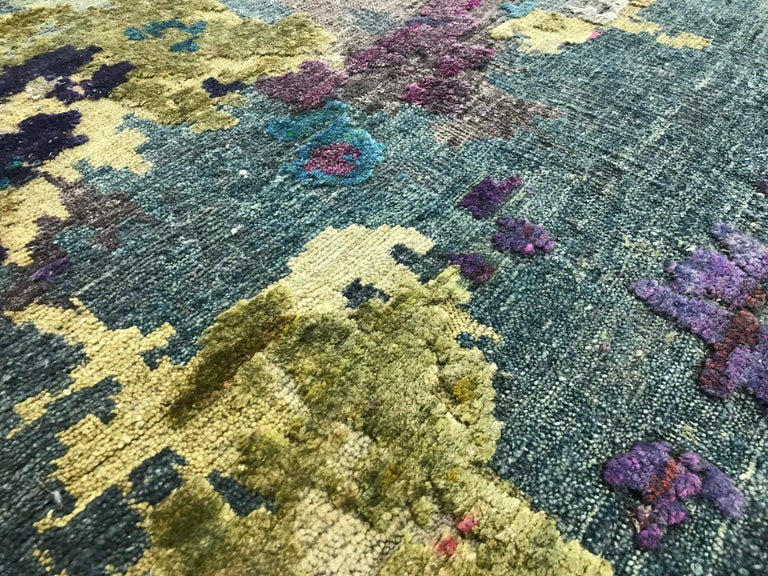 Organic Contempory Green Turquoise Purple Organic Hand-Knotted Wool and Silk Rug For Sale 2