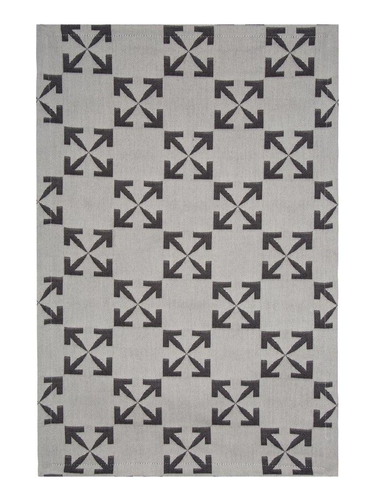 Off-White Arrow Patern Table Mat Set White Black For Sale