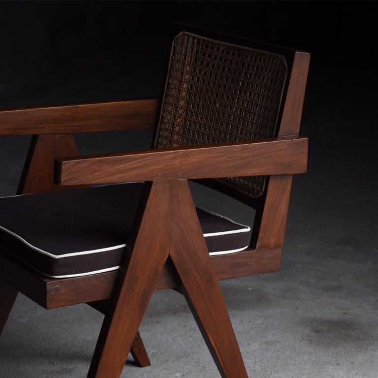 Office Chair by Pierre Jeanneret In Good Condition For Sale In Sammushi, JP