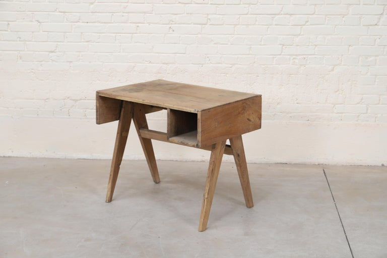 Office Solid Desk by Pierre Jeanneret In Good Condition For Sale In Altwies, LU