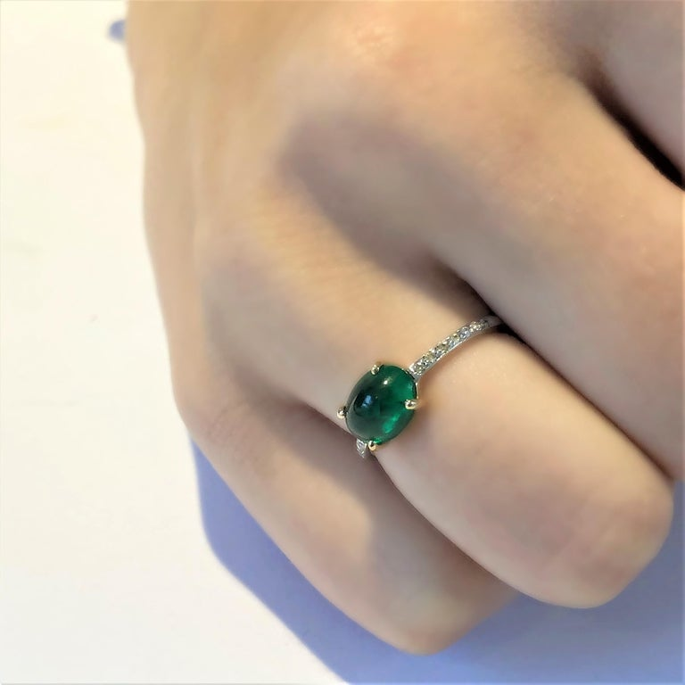OGI Cabochon Emerald and Diamond Gold Cocktail Ring In New Condition For Sale In New York, NY