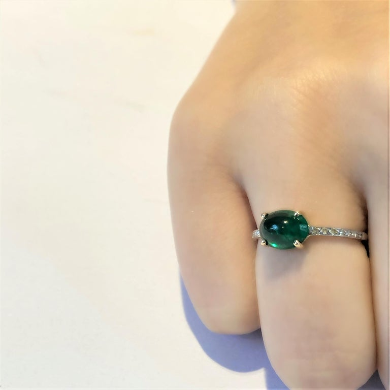 OGI Cabochon Emerald and Diamond Gold Cocktail Ring For Sale 1