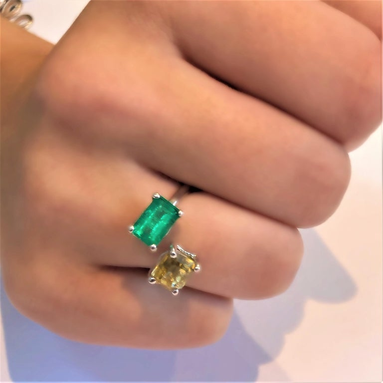 Contemporary OGI EC Emerald and EC Yellow Sapphire Open Shank Modern Cocktail Ring For Sale