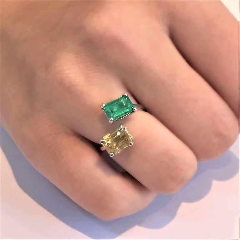 OGI EC Emerald and EC Yellow Sapphire Open Shank Modern Cocktail Ring In New Condition For Sale In New York, NY