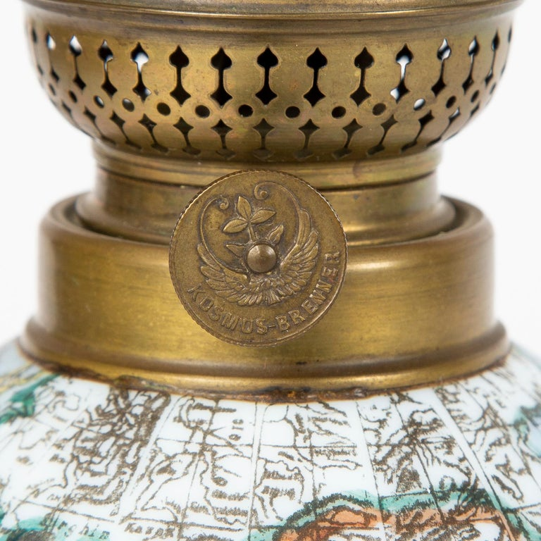Oil Lamp with an Illuminating Globe Shade, circa 1885 For Sale 3