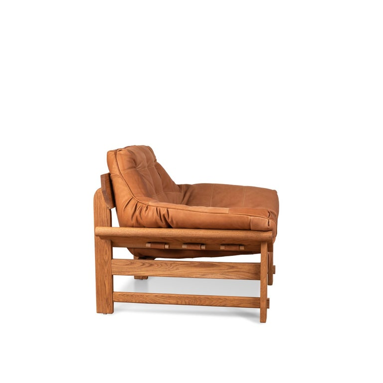 Mid-Century Modern Oiled Oak and Tan Leather Ojai Lounge Chair by Lawson-Fenning For Sale